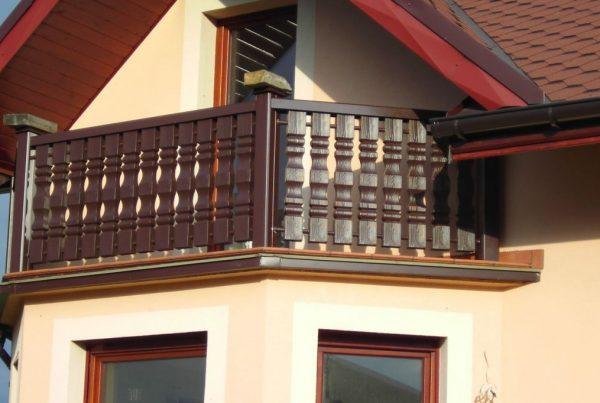 balustrady z plastiku foto za https://ogrodzeniaplastikowe.pl/balustrady-ecowood/