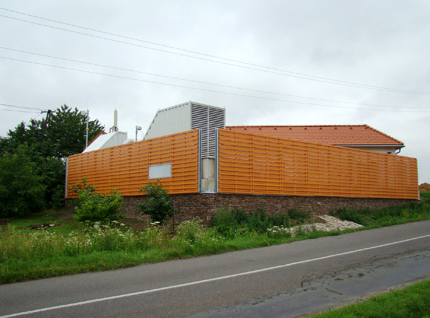 Przykładowe ogrodzenie plastikowe, tu jest obraz ze strony: https://ogrodzeniaplastikowe.pl/galeria-ogrodzen-everwood/